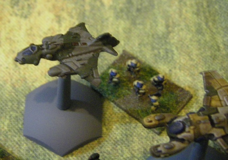 6mm, 1/300th, 1/300 Sci Fi e4M Miniatures Flyers and spaceships being painted